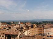 Sconti per il parcheggio auto ai turisti che pernottano a Siena