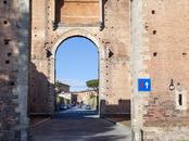 Parcheggio via Roma